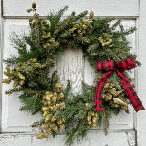"Evergreen Hops Plaid 18"" Wreath"
