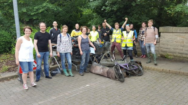 Team Kirkstall cleanup