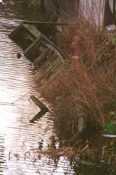 sunken icebreaker armley mills 2