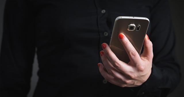 smartphone app photo