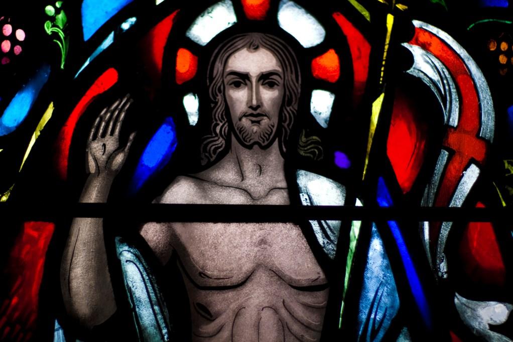 glass-christ-1