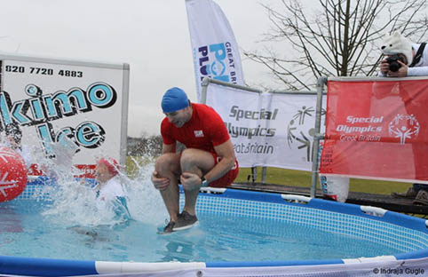 Polar Plunge leaves the Ice Bucket Challenge behind
