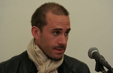British actor Joseph Fiennes is going to play Michael Jackson in Sky Art's upcoming comedy.