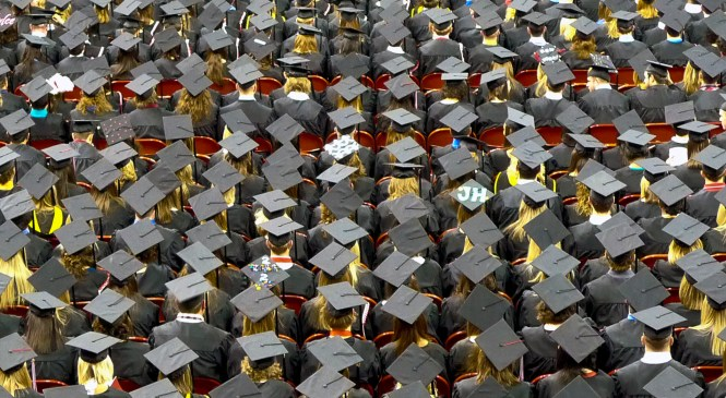 Think tank tells ministers to scrap interest on student loans