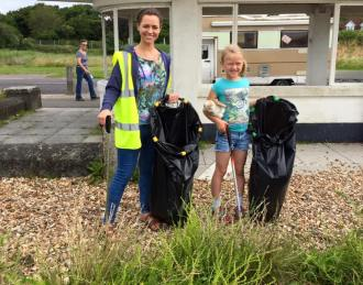 Nicola and Elizabeth at the shore during the Big Beach Clean Up 2016!