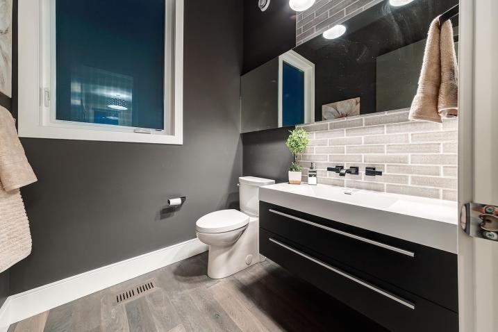 516 35a st 24 Bathroom