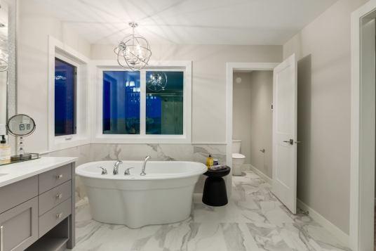 538 Green Haven 49 Bathroom