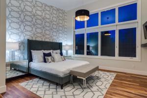 Silverhorn 14 Bedroom