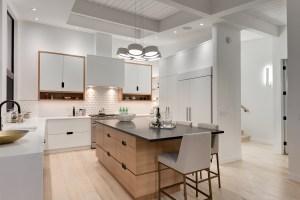 2949 Toronto Cres Kitchen
