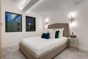 2949 Toronto Cres Bedroom