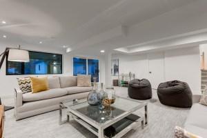 2949 Toronto Cres Living Space