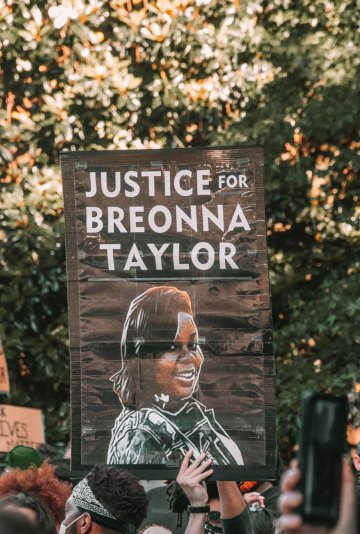 Photo of support for justice for Breonna Taylor