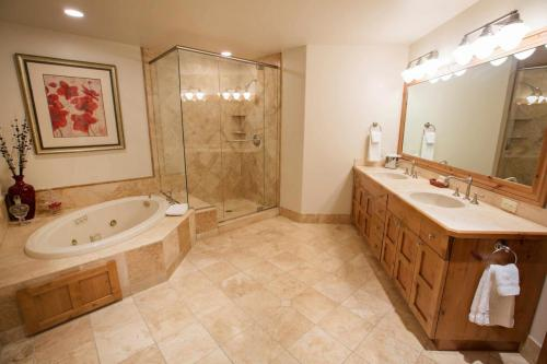 A203-master-bathroom