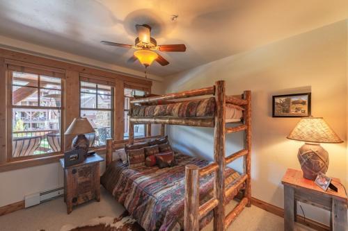 9- third bed