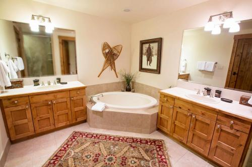 A301-master-bathroom
