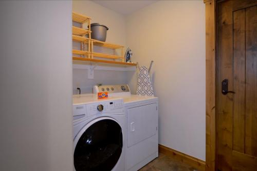 A-303 Westwall 21 laundry room