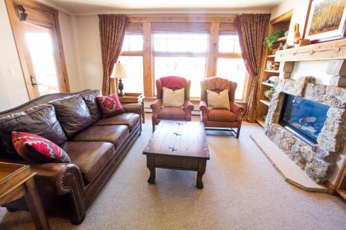 A304-living-room