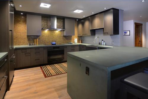 A306 Westwall 06 kitchen