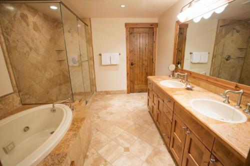 B202-second-bathroom