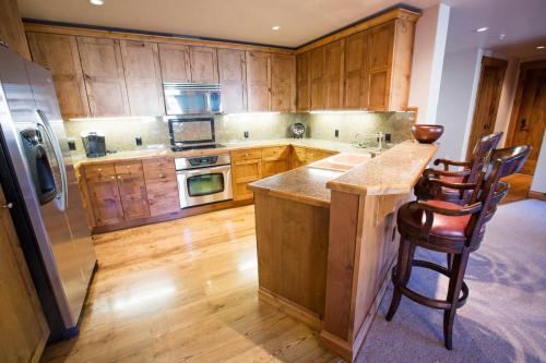 C103-kitchen