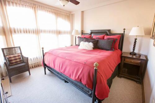 C103-master-bedroom