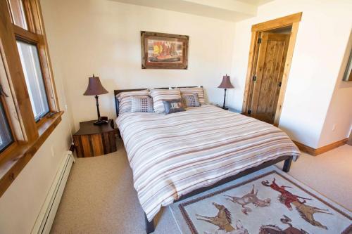 C203-master-bedroom