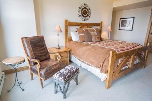 C302-master-bedroom