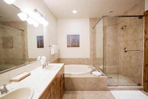 C401 junior master bathroom