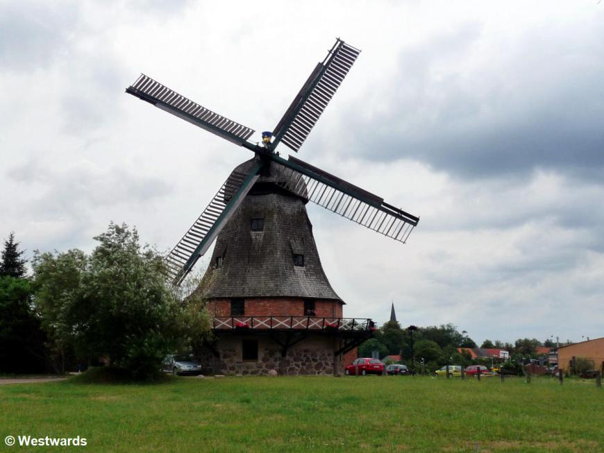 20100724 Malchin Windmühle 1160282