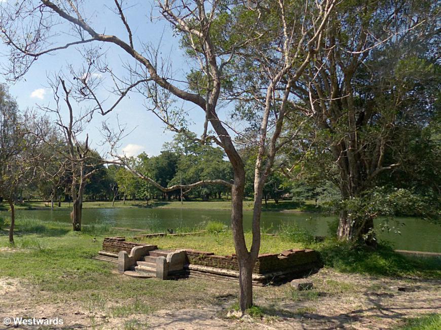 20160128 Anuradhapura Abhayagiri residence quarters P1230807