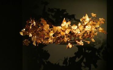 Golden wrath found in the Royal tombs in Vergina