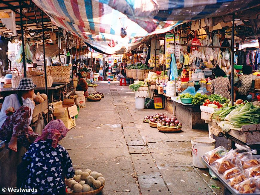 Psa Cha, the old market of Phnom Penh, in 2001