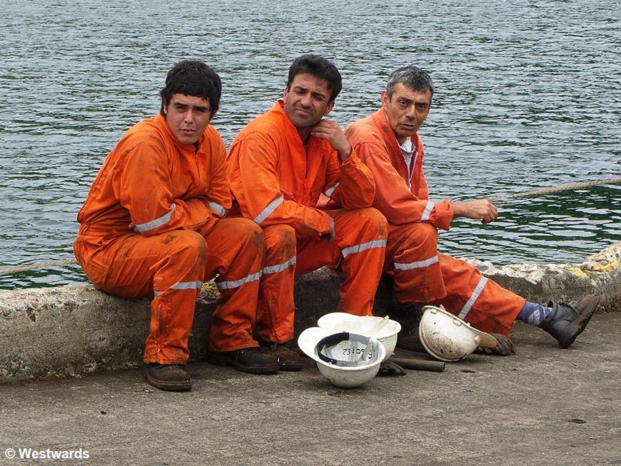 Ship workers in Puerto Montt