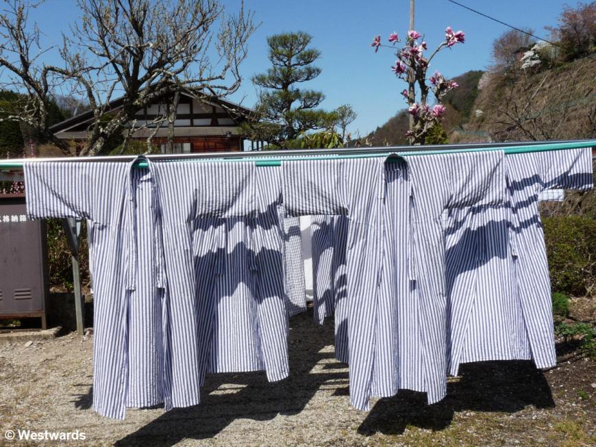 20090415 Nakasendo Tsumago to Magome yukata 1070647
