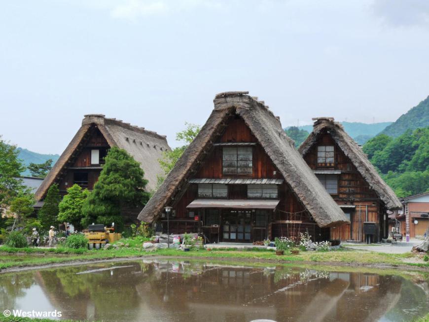 20090527 Shirakawa Gassho houses 1080871