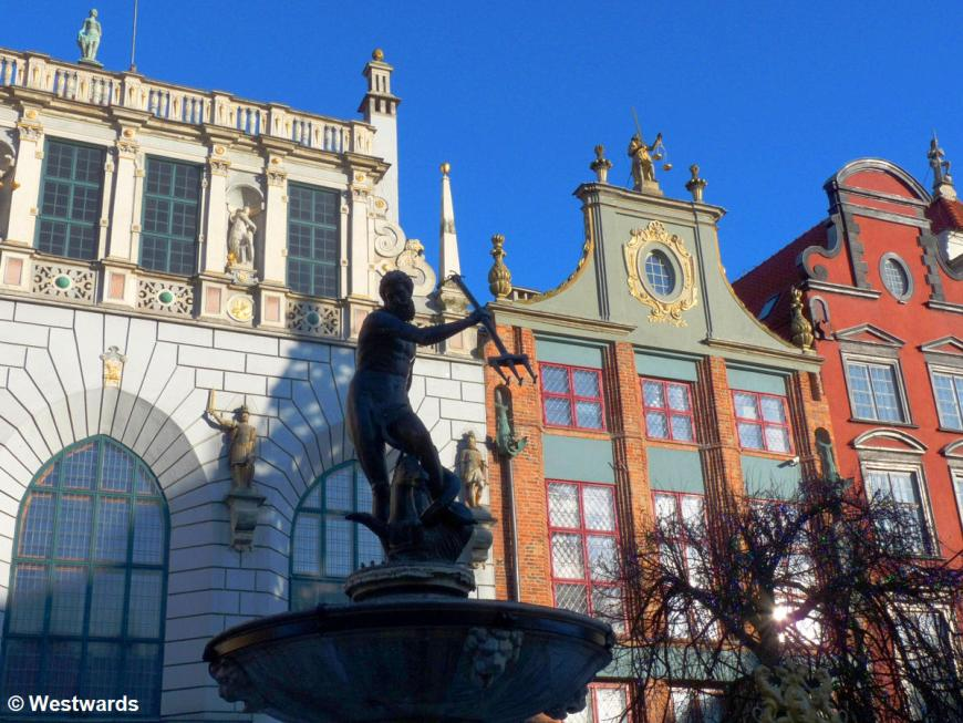 houses and fountain in Gdansk