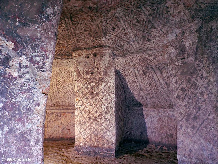 20120130 Segovia tomb 1310801