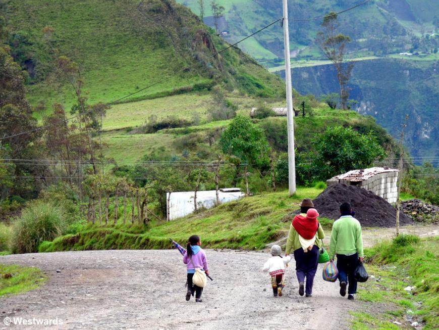 20120211 Chugchilan family P1320501