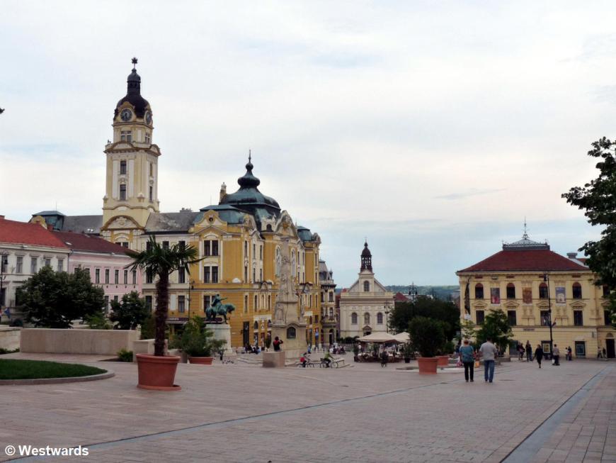 20120528 Pecs Seszechenyi Platz P1340890