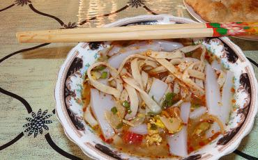 A bowl of chinese starchy noodles