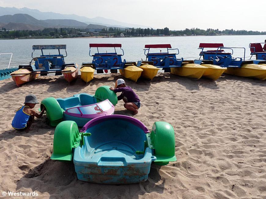 20120709 Cholpon Ata beach P1370134