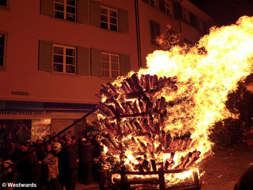 burning logs at the fire procession