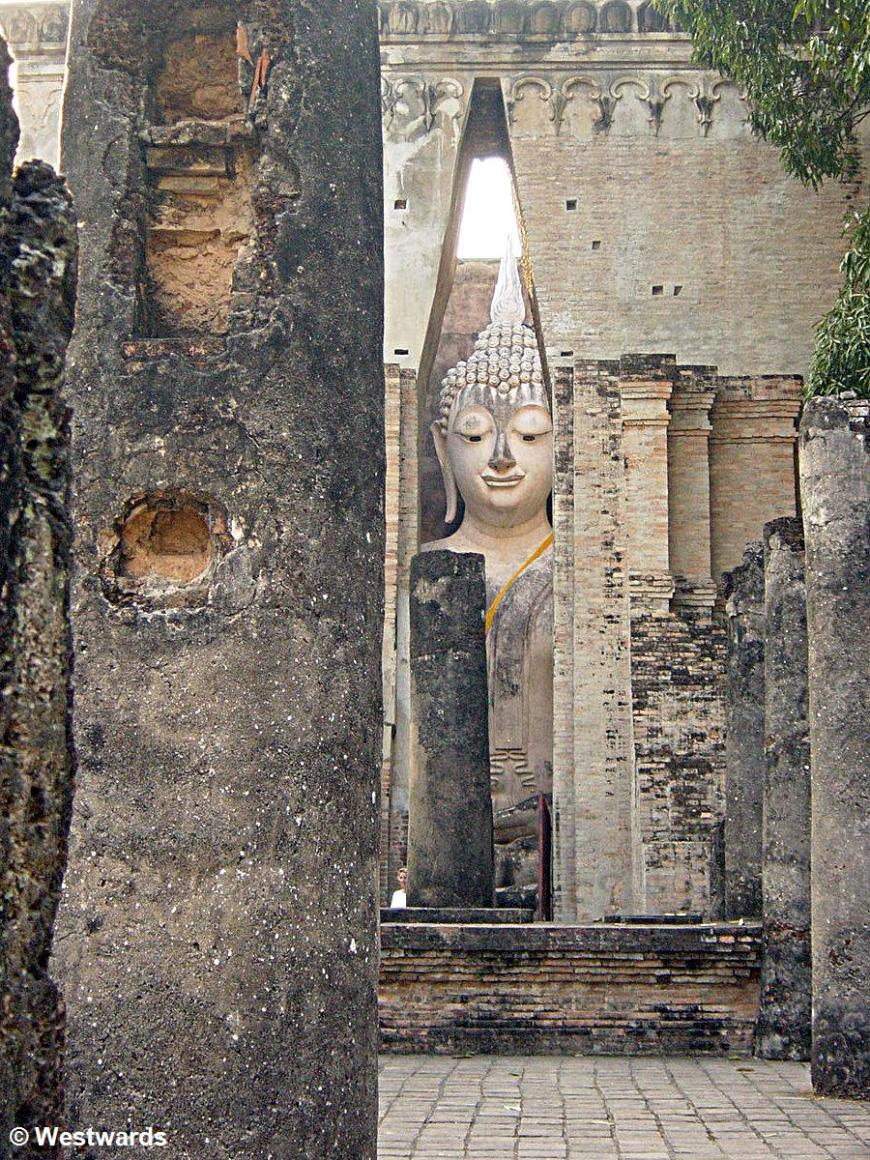 Wat Si Chum Buddha in Sukhothai, northern Thailand