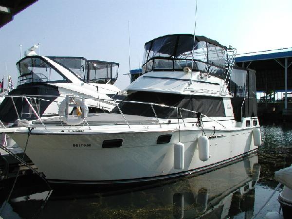1983 Carver 32 Aft Cabin Westwind Yacht Sales Brokerage