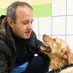 Kochający pies