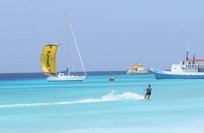 Klein Curacao Kite surfing