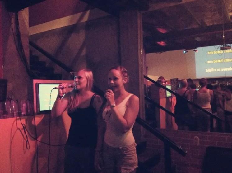 Danach ging's zum Karaoke singen ins Sharky