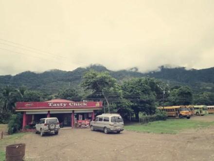 3 Stunden Warten in Palmar Norte, ..aber hier gibt es Fre WiFi