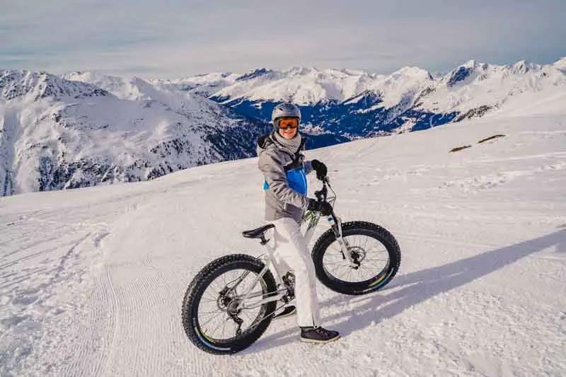 Davos-activiteiten - Caro op een Fatbike