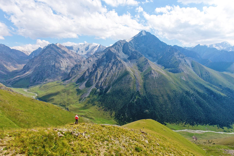 Aussicht vom Jukku Pass in Kirgistan